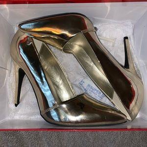 Gold high heels (Guess)